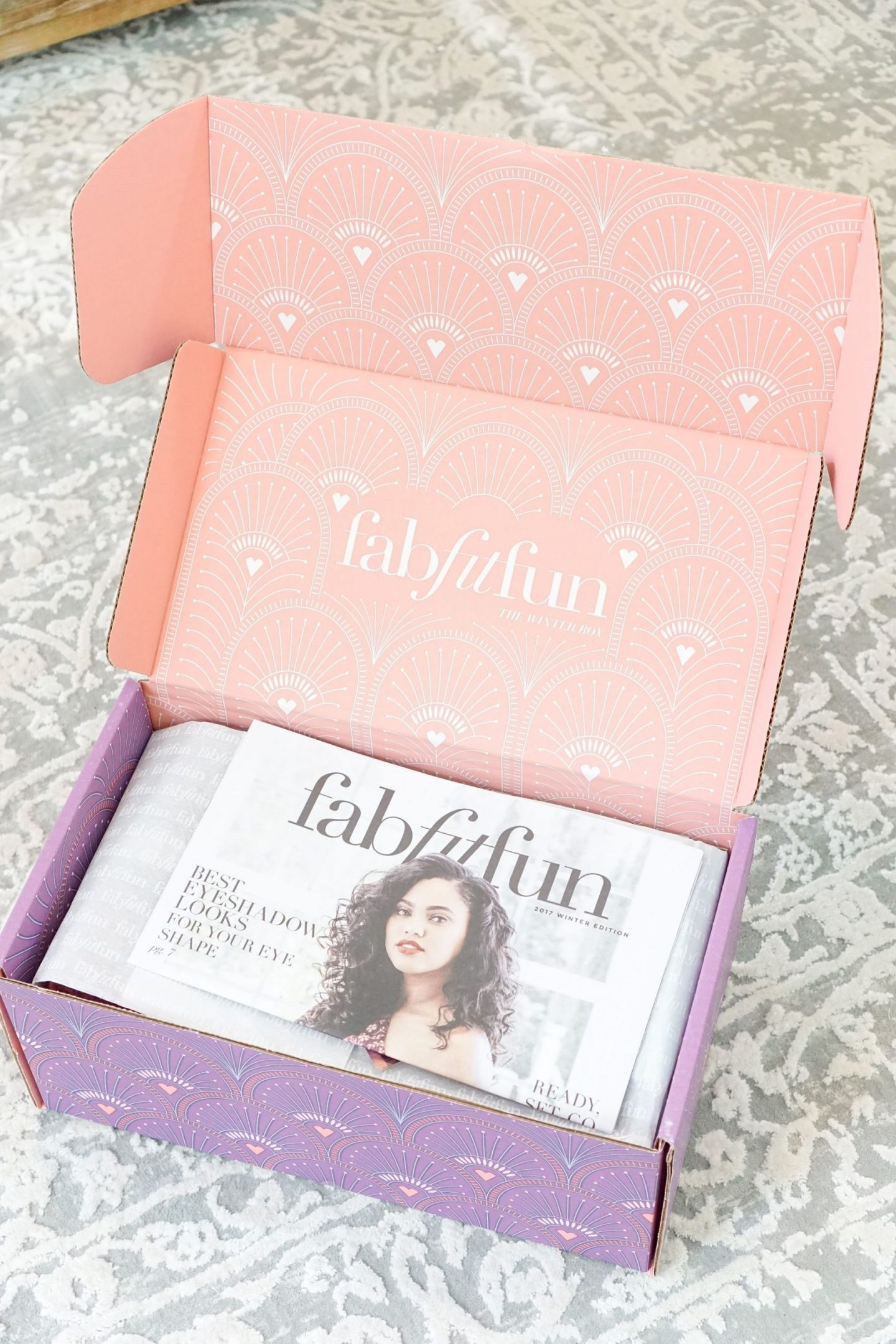 winter-fabfitfun-box