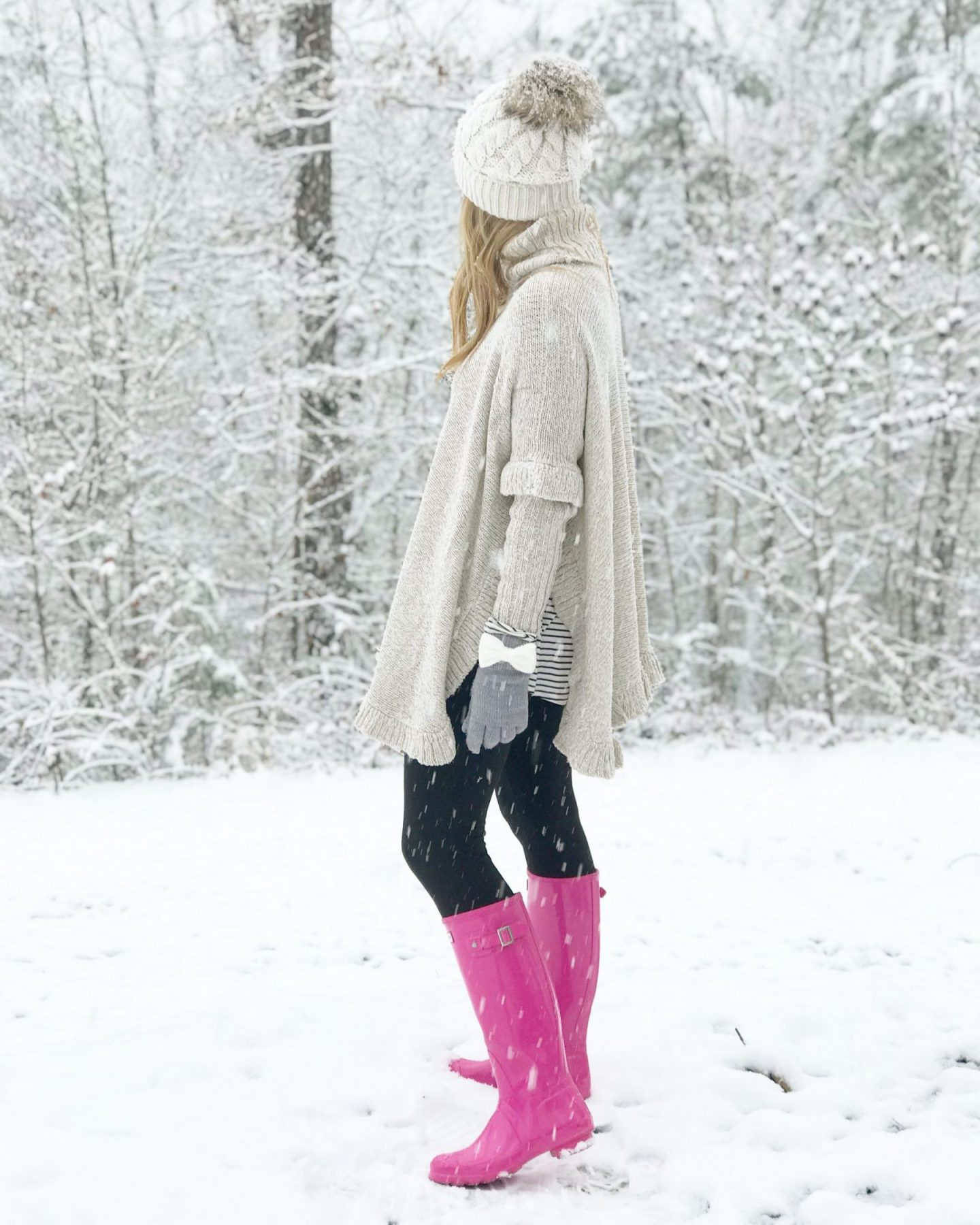 instagram outfits, pink hunter boots, snowday outfit, ruffle poncho