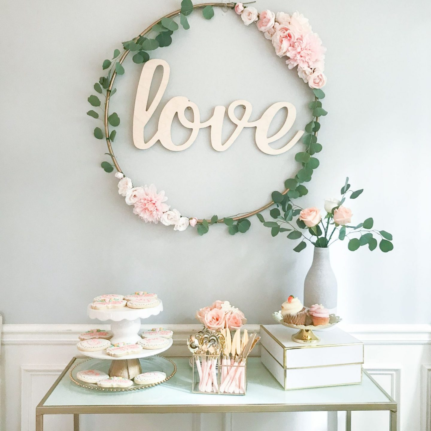 diy bridal shower decor, diy hula hoop love sign, diy wedding decor