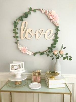 DIY bridal shower decorations, hula hoop decor tutorial, DIY-bridal-shower-decor