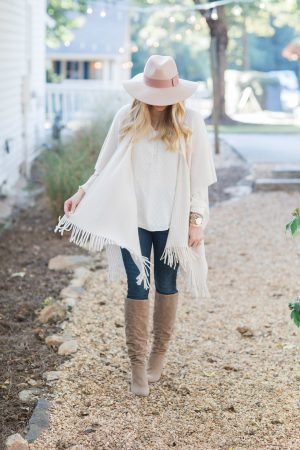 favorite-cozy-wrap-for-fall-strawberry-chic