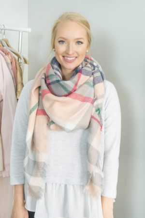 how-to-tie-blanket-scarf-strawberry-chic