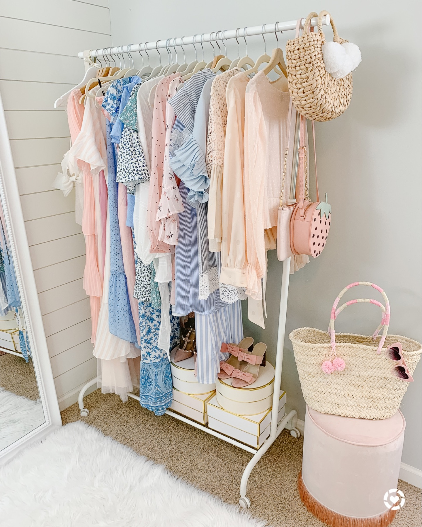 rules to decluttering wardrobe