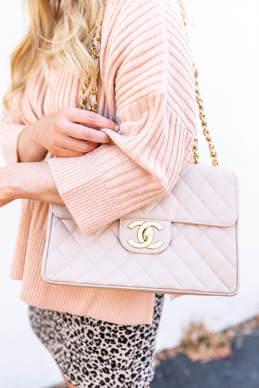 vintage-chanel-classic-flap-strawberry-chic