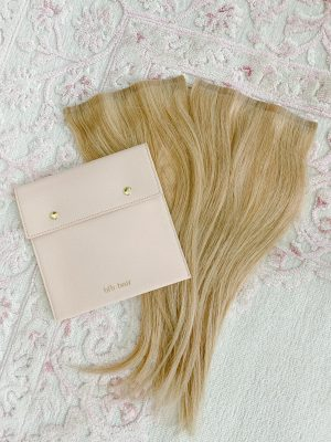 barefootblondehairfillinextensions