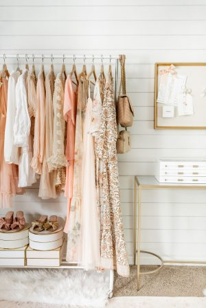 how to declutter closet