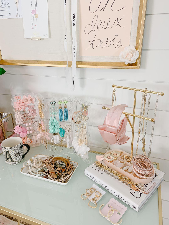 feminine jewelry organization
