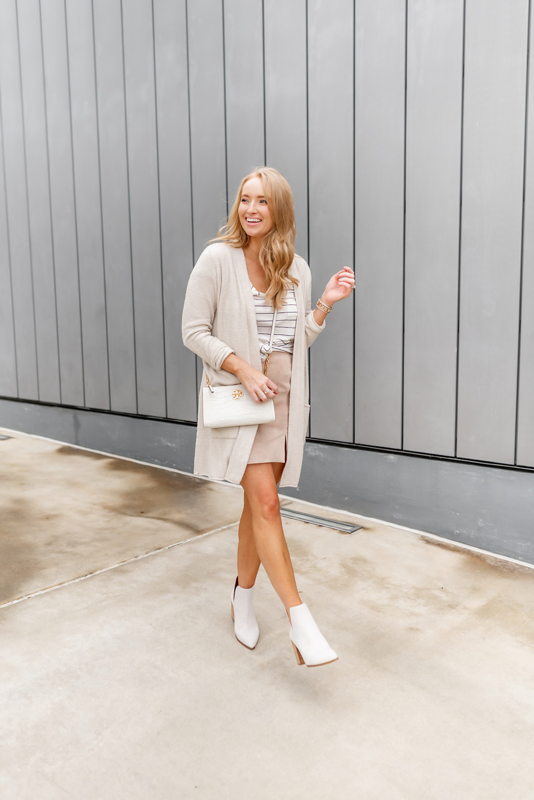 white ankle boots fashion