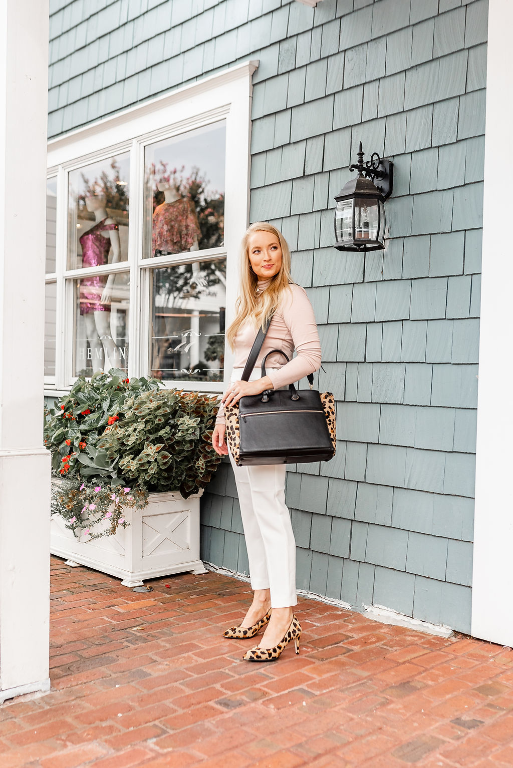 How to Wear Neutral Colors