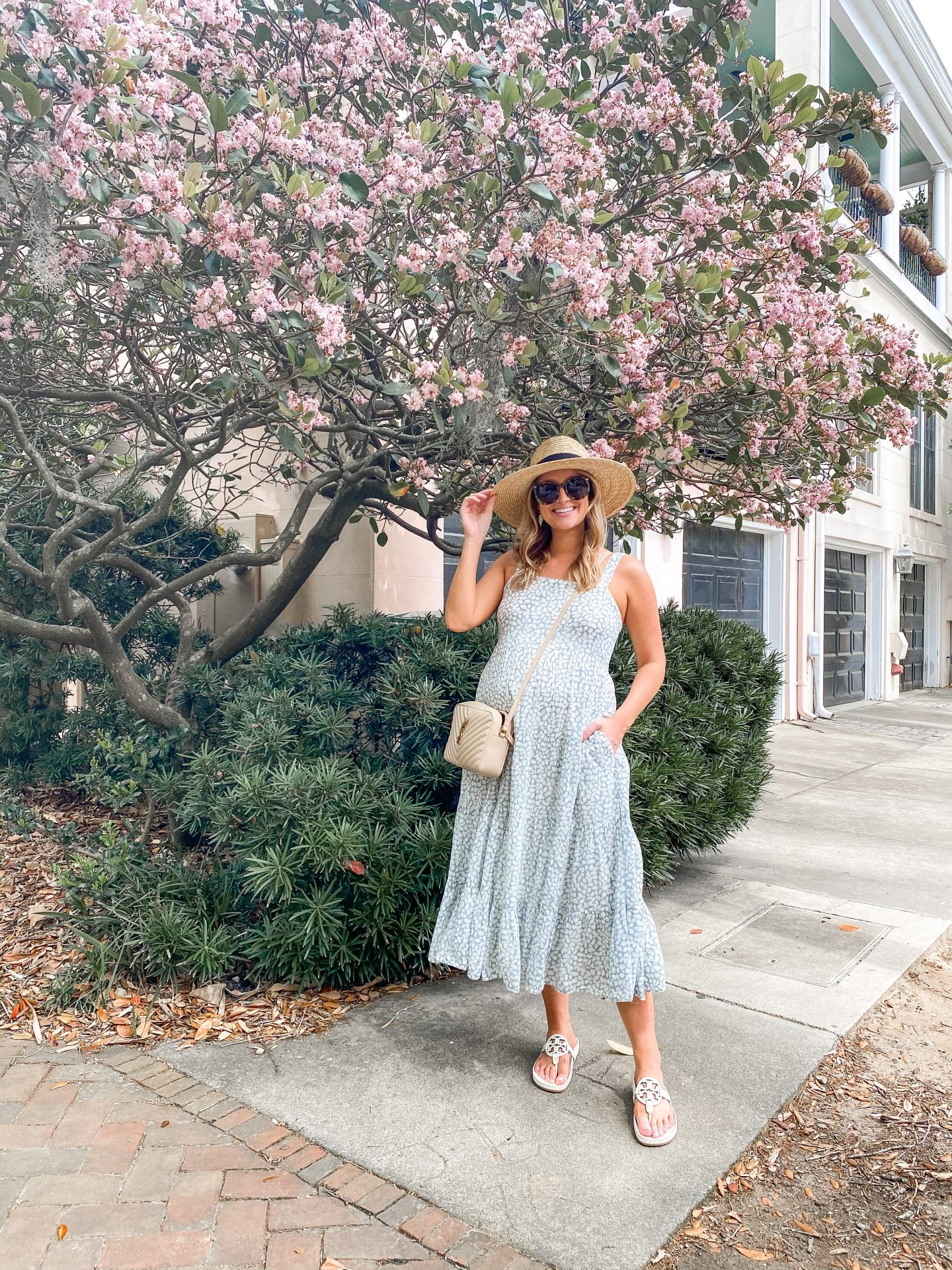 Hacks to Dress for Hot Weather,, wear a sunhat